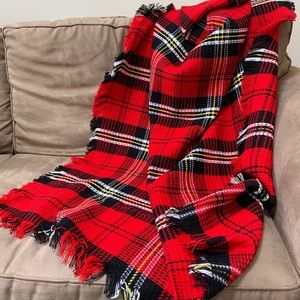 Holiday Plaid Throw with fringe